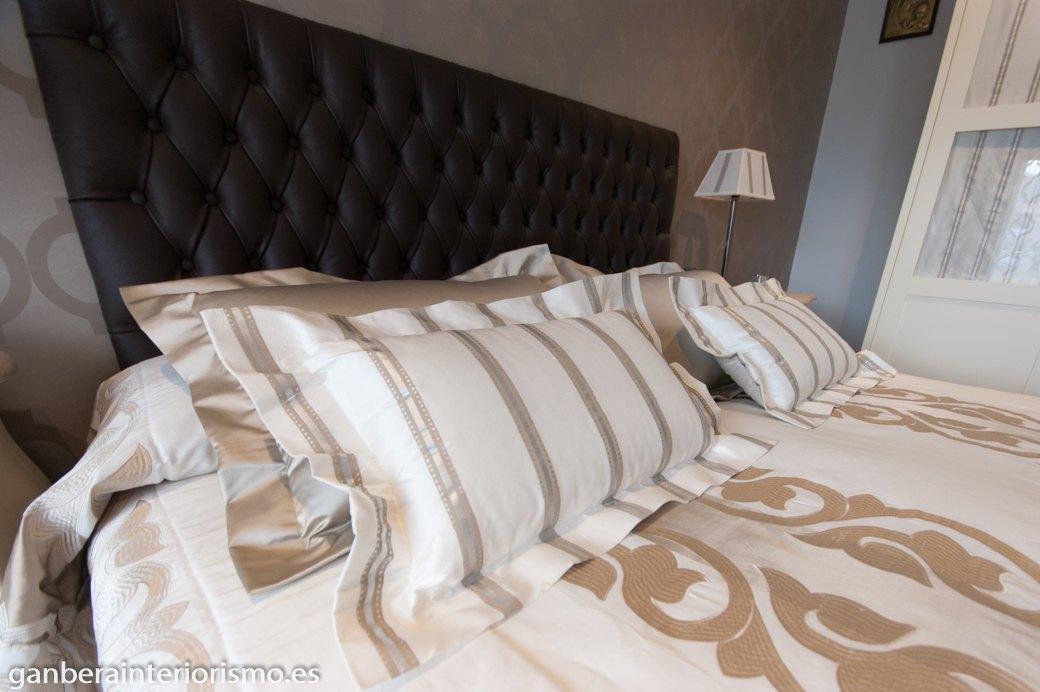 Viste tu cama galer a im genes ganbera interiorismo - Ropa de cama matrimonio ...