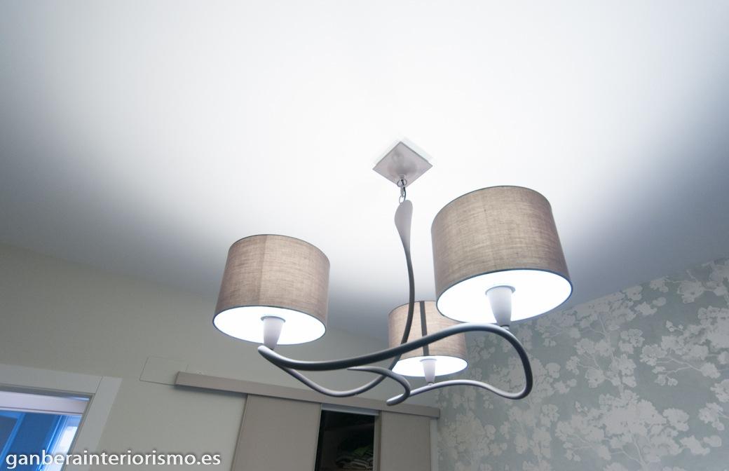 Iluminaci n interior galer a im genes ganbera interiorismo - Lamparas de dormitorio ...